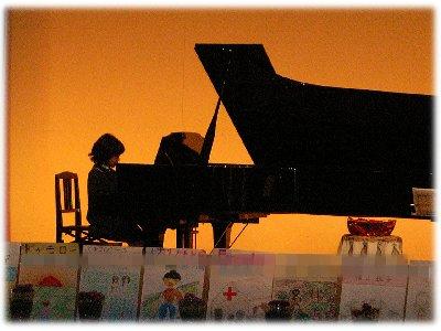 妹ピアノ071216